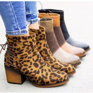 5⭐️LEOPARD Corset Tie-Up Booties - Boots